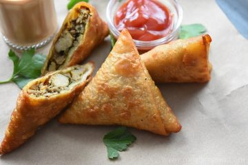 Chicken Keema Samosa / Minced Chicken Samosa