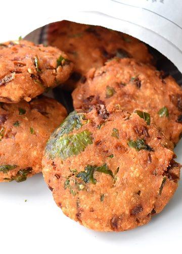 Paruppu Vadai / Parippu Vada / Chana Dal (Lentil) Fritters