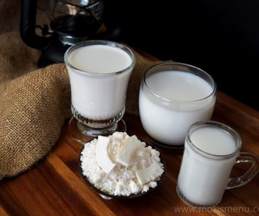 Homemade Coconut Milk / Thengai Paal / Thenga Paalu